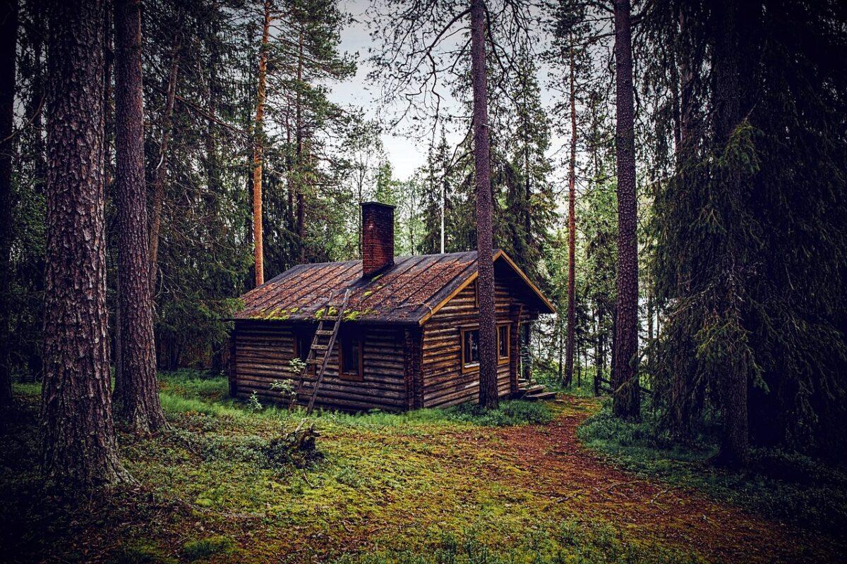 hut-1267670_1280